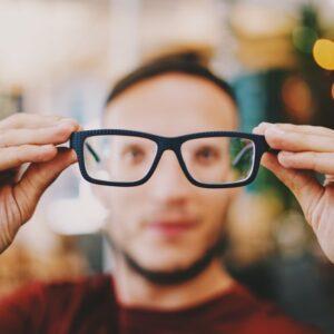 Fiber lasers for eye treatment